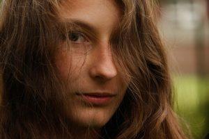 woman-1122956_1280